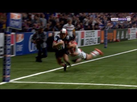 Harumichi Tatekawa try saving tackle on Gabriel Lacroix