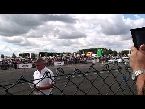 Paul Swift Stunt Driving Ford Fair 2014 (1)