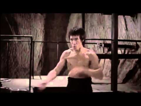 Bruce lee's nunchaku technique slow motion (Enter The Dragon)