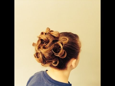 15 Minutes to Gorgeous! Curly Sock Bun Up-do