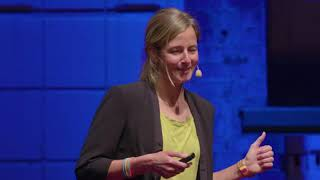 Why giving up is not an option – 1000km, 4 deserts, 1 year   Anne-Marie Flammersfeld   TEDxHHL
