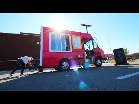 What is it like inside a working food truck? (JK Juices)