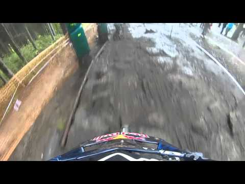 Muddy and rough conditions in the downhill race at IXS Cup/Dirt Masters By Marcelo Gutierrez