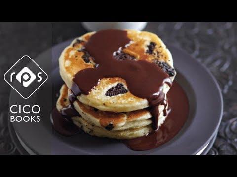 Oreo Pancakes with Chocolate Fudge Sauce