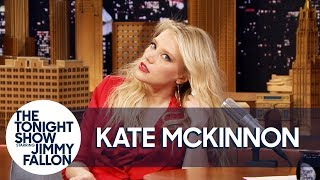 Kate McKinnon Shows Off Her Gal Gadot Impression