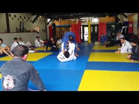 Master Joe Moreira Omo Plata & Other Attacks From Guard - RocknRoll BJJ