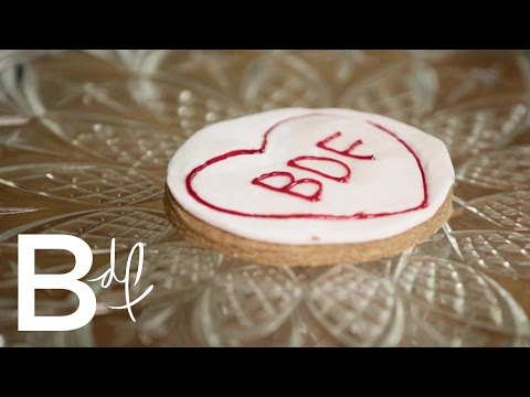 DIY: LOVE HEART Wedding Cookie Favours