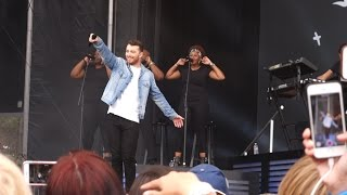 Sam Smith - La La La (Naughty Boy cover) – San Francisco, Live, Outside Lands 2015, Sun. 8-9-15, front rows, Golden Gate Park. Sam: Who knows this song? That