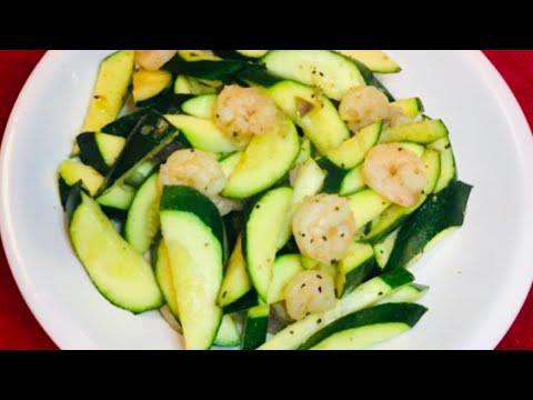 Low Carb: SAUTEED ZUCCHINI & SHRIMPS recipe