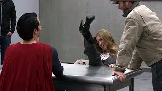 It's not an «S» 'Man of Steel' Behind The Scenes [+Subtitles]