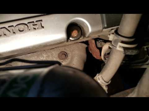 HONDA CRV 2004 ENGINE OIL CHANGE (PIC)