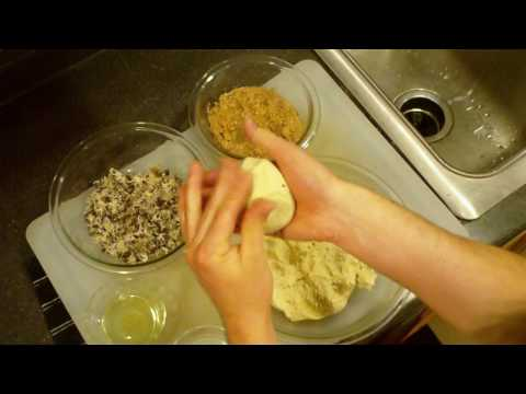 How to make pupusa revueltas Pupusas with mixed meat.
