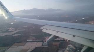 Ryanair 737-800 Landing at Tenerife South Airport