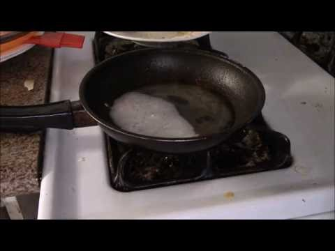 How to Clean Greasy Burnt Pan with Baking Soda and Vinegar.