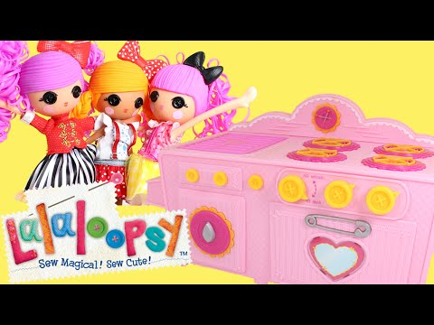 Lalaloopsy Baking Oven with Lalaloopsy Girls Making a Surprise Birthday Cake