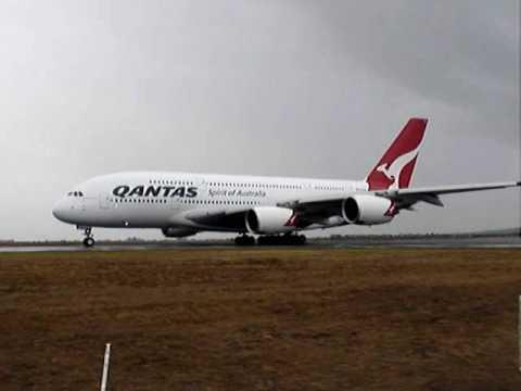 2009 Avalon Airshow  Qantas A380 Takeoff
