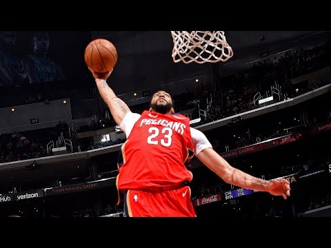 Anthony Davis Crushes an off-the-backboard alley-oop slam