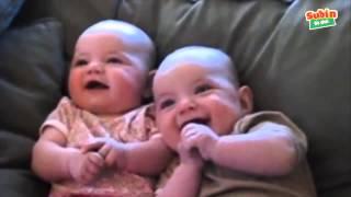 Hài hước với trẻ em-bé cười sáng khoái