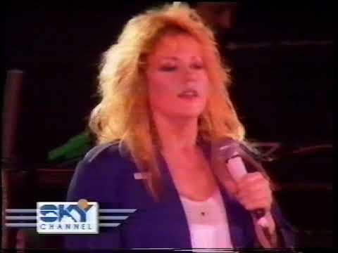 Sharon O'Neill - 1988 Stop Draggin' My Heart Around/Maxine live