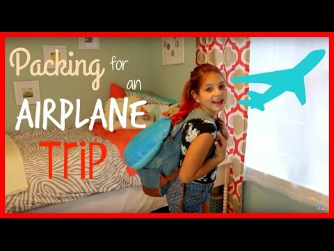Airplane Essentials Tips for Traveling | Holiday Carry on Bag Packing Ideas | best friends