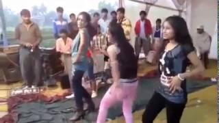 गाँव की लड़कियों का देशी डांस । Desi Dance By The Village Girls   Latest Dance video 2017 HD