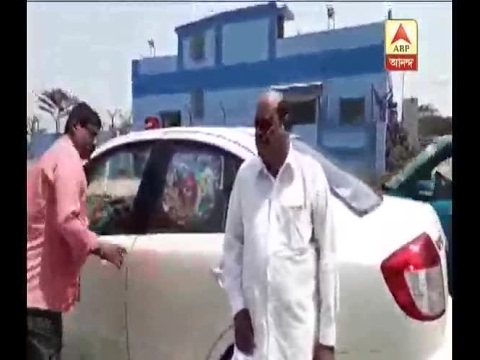 Bailable Arrest warrant is being handed over to Justice CS Karnan