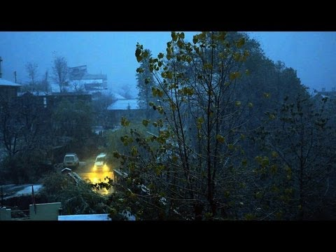 Sound of Snowfall, Manali town in Snow