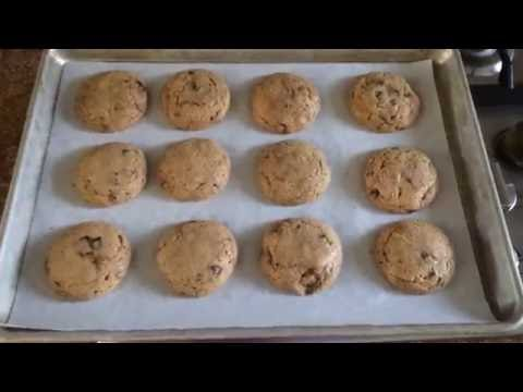 Bake with me! - Just Cookie Dough Chocolate Chip - Review of Vegan Pre-Made Cookie Dough