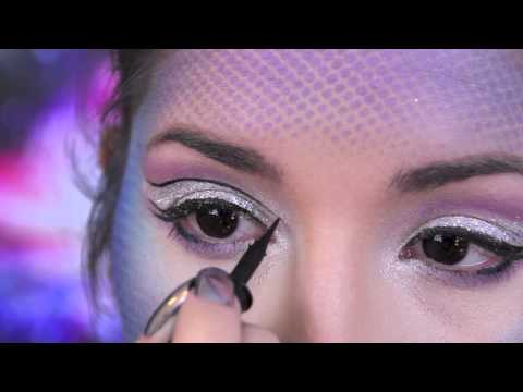 Halloween Makeup & Out Of This World Costume Tutorial