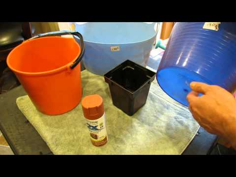 60 Seconds or Sow: Refinish Cheap Garden Containers with Spray Paint - The Rusted Garden 2013