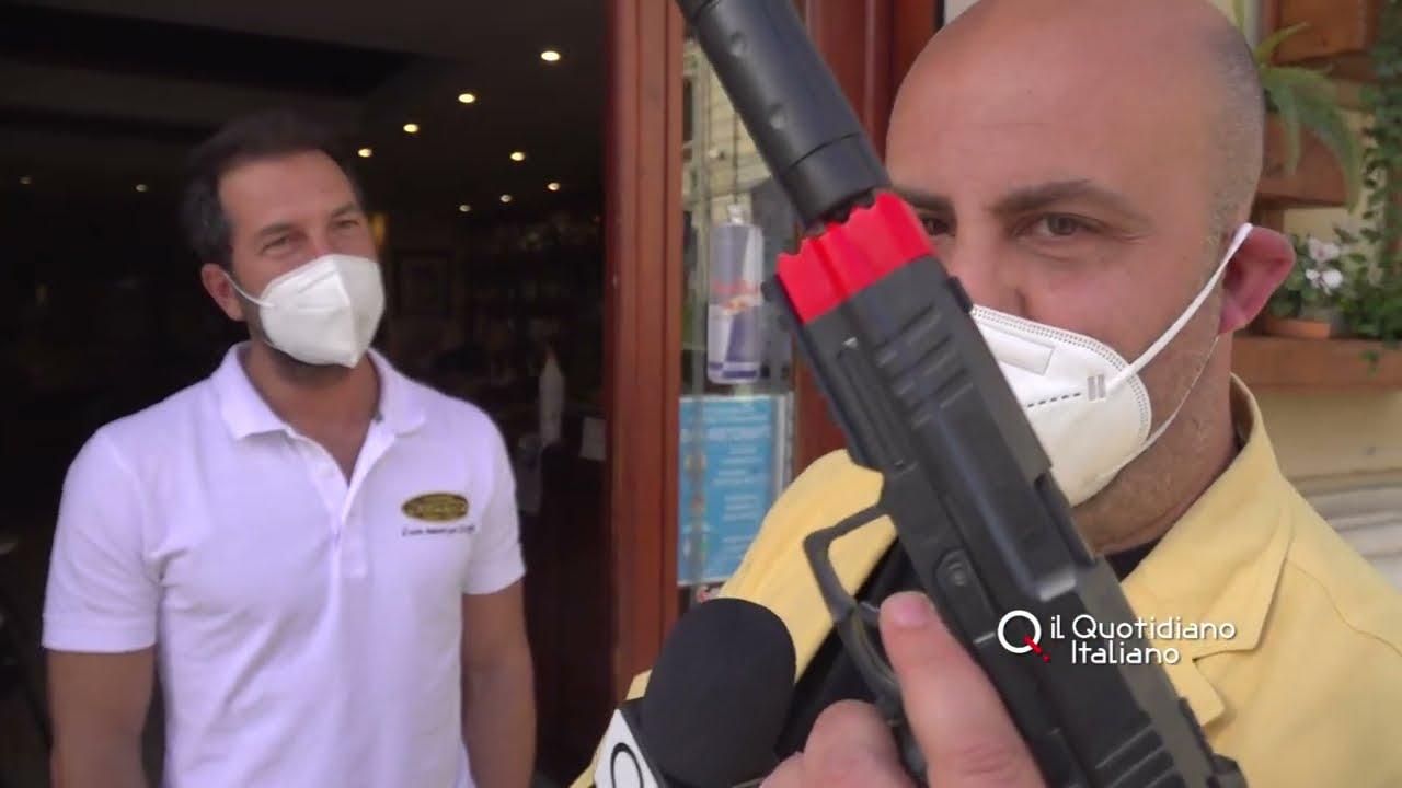 """Covid Bari, in zona gialla clienti al bar solo all'aperto: """"al Petruzzelli"""" é guerra dei tavolini"""