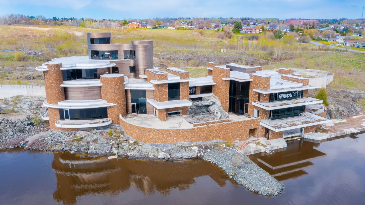 Unbelievable ABANDONED Mega Mansion