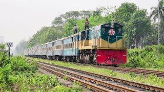 Agnibina Express powering General Motors, Canada made EMD 2601 GT18L-2 Loco || Bangladesh Railway