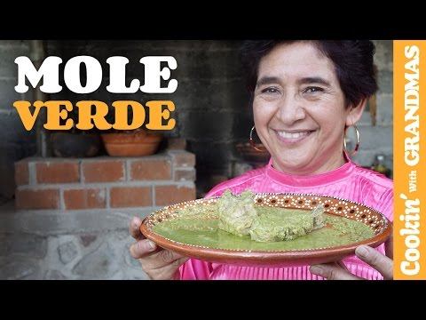 How to make Aunt Gabriela's Green Mole