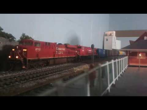 RUNNING BRIAN,S ES44 WITH MY AC4400 LOCO