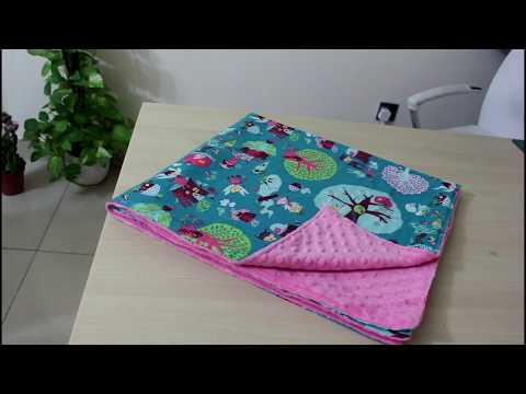 Two Seams Baby Blanket DIY For A Great Gift!