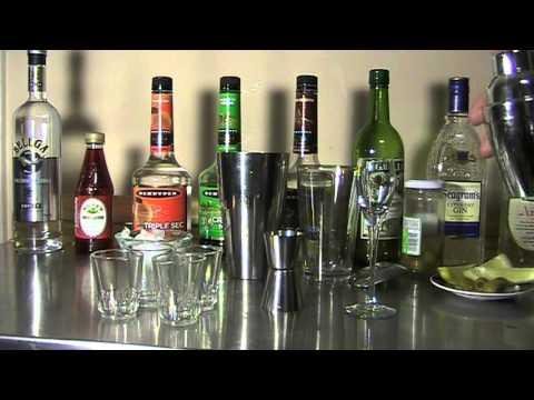 How to Make a Cream de Menthe Drink ( Green Drink )