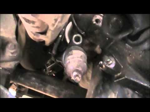 Isuzu transmission removal