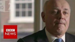Iain Duncan Smith tearful over single mum - BBC News