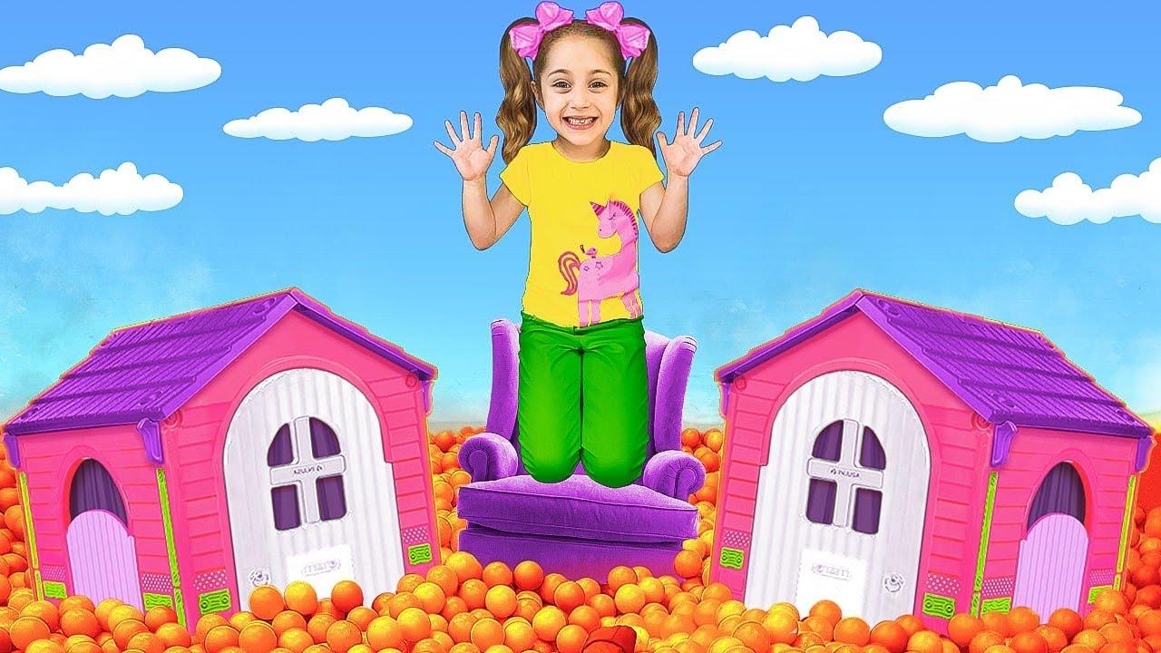 Sasha juega juegos activos con juguetes acuáticos y escapa de la lava   El piso es desafío de lava