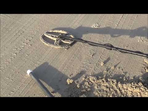Metal Detecting Stewart Beach, Galveston Island, on Valentine's Day 2014