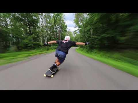 SPEED WOBBLES ON A SKATEBOARD