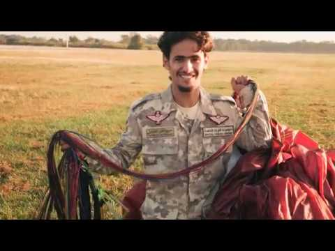 The Qatar Army Paramotor Team... In 4K