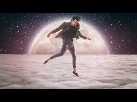 Photoshop Manipulation Tutorial: Jumping to The Moon