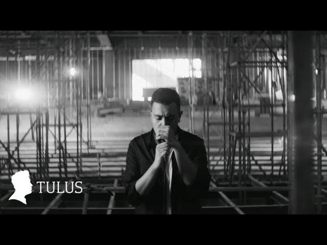 Download TULUS - Langit Abu-Abu (Official Music Video) MP3 Gratis