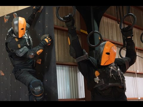 Is it Possible to do Parkour in a DEATHSTROKE Costume?