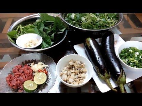Cơm canh đạm bạc: Canh rau lang nấu ngao, rau càng cua trộn, cà xào mỡ hành // bữa cơm gia đình