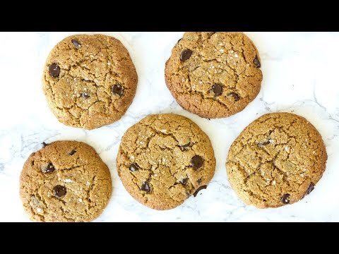 THE BEST HEALTHY CHOCOLATE CHIP COOKIES! NO GLUTEN, DAIRY, OR REFINED SUGAR!