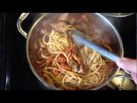 Extremely easy extremely good Spaghetti with mild Italian sausage and mushrooms