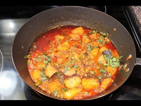 Dhaba Style Aloo Matar Curry (Potatoes and Green Peas Curry) ڈهابہ اسٹائل مٹر آلو کا سالن